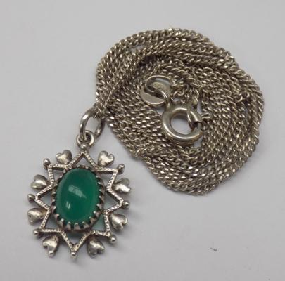 Vintage sterling green gemstone pendant on 20 inch chain
