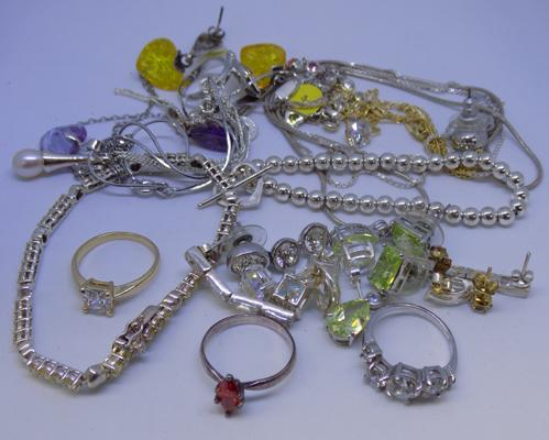 Large selection of silver jewellery and other jewellery