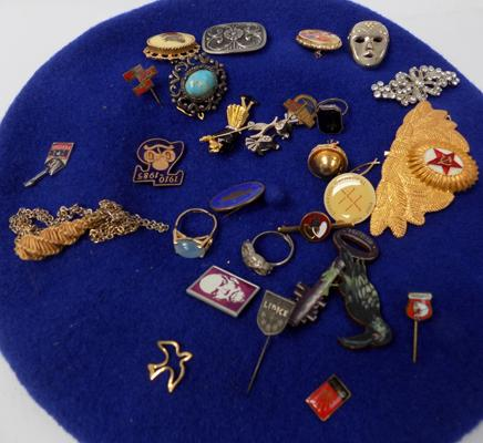 Collection of vintage badges, brooches and rings