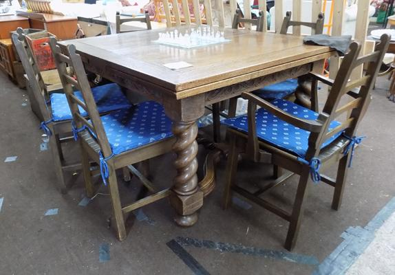 Oak extending table & 6 chairs