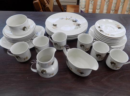 Royal Doulton Westwood 34 piece dinner set