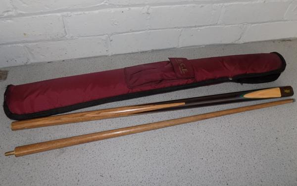 Snooker/pool cue in case