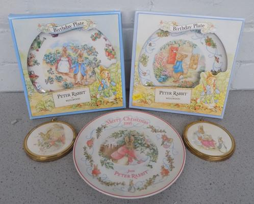 2x Boxed Beatrix Potter Wedgwood plates  (1 unboxed) + 2 pictures