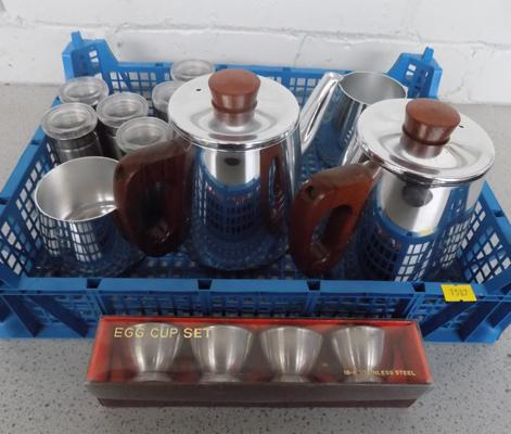 4x Sona tea set teak handles, 6 Spice containers & 4 egg cups boxed