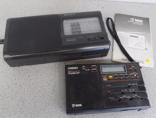 2x Radios (1 battery, 1 mains powered)