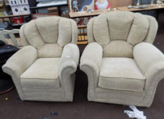 2x Arm chairs