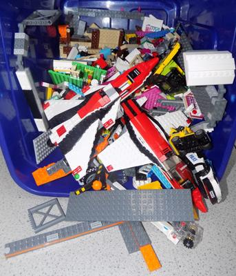 Large amount of Lego mainly airport/friend etc