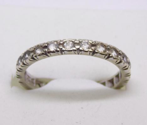 9ct gold full eternity ring - size Q