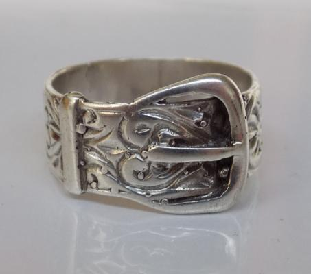 Vintage silver belt buckle ring - approx. size R