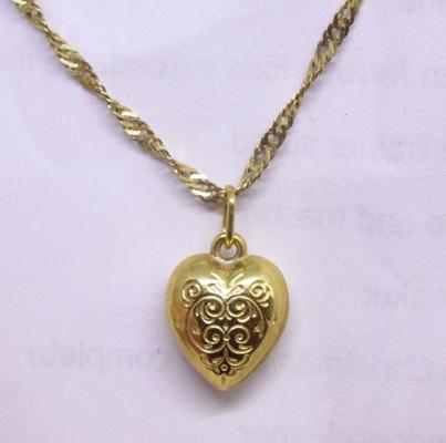9ct gold twist chain with 9ct gold heart on 20 inch chain