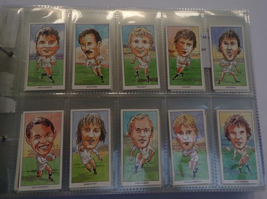 9 full sets of cigarette cards and others