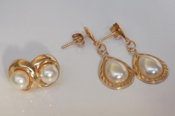 2 pairs of 9ct gold earrings incl real pearls