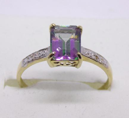 9ct gold diamond and mystic topaz ring - Size P