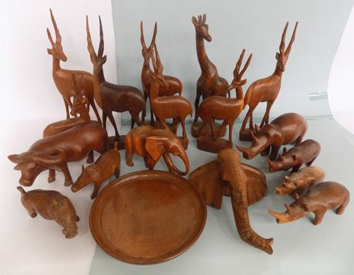 Large box of carved animals/treen