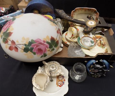 Box of collectables incl. Meakin part tea set and glassware etc.