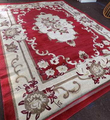 Extra large rug - size approx 12ft x 8ft