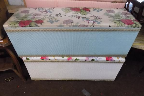 2 blanket boxes