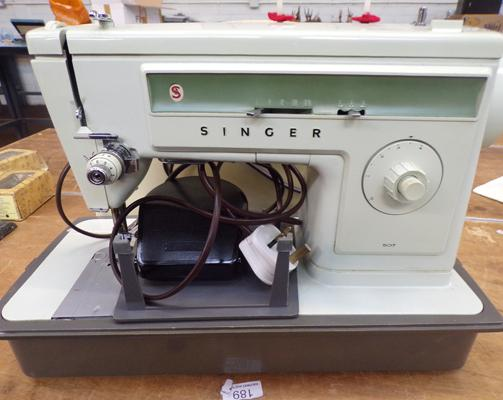 Singer sewing machine in working order