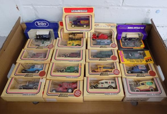 Box of 21 diecasts in boxes