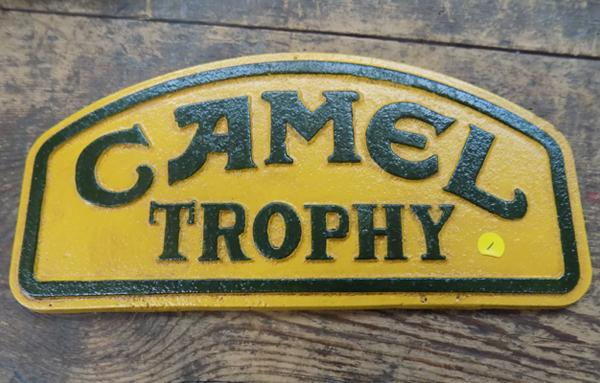 Cast iron Camel sign approx 9 inches