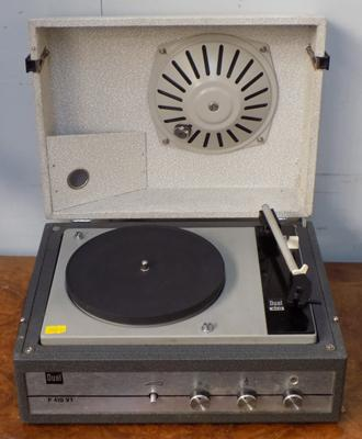 Vintage dual P410 lidded record player