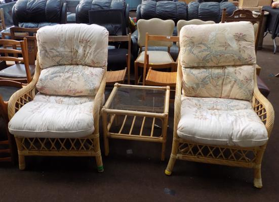 2x Wicker chairs & glass topped table