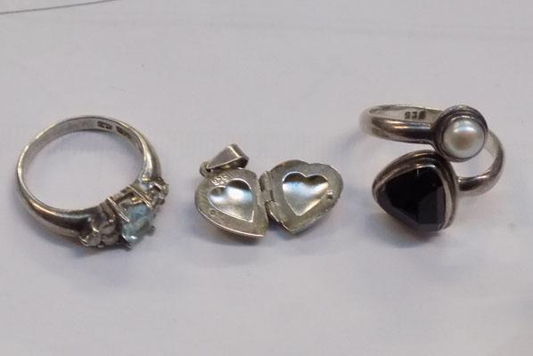 Two silver rings + heart pendant