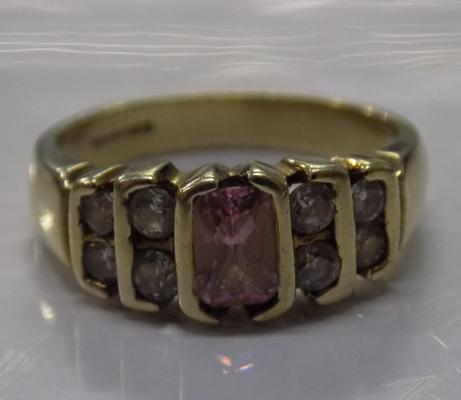 9ct gold pink stone and clear stone ring