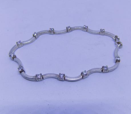 925 sterling silver Cubic Zirconia ladies bracelet with lobster claw fastener