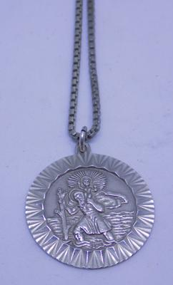 Vintage 925 sterling silver St. Christopher on silver 17inch box neckchain