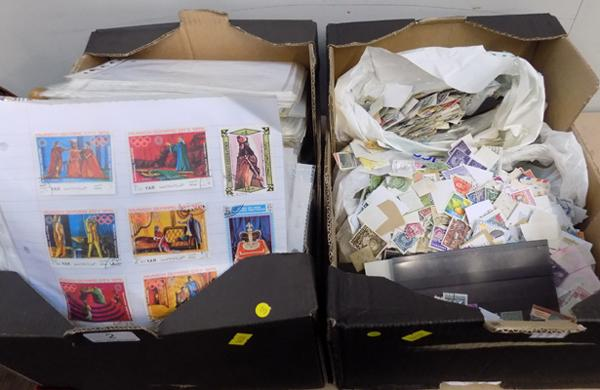 Large selection of world stamps - loose and in binder form