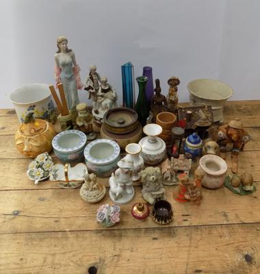Box of mixed collectables incl. Wade, Limoges etc.