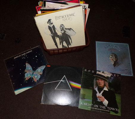 Box of LPs incl. Fleetwood Mac, Eagles, Barclay James Harvest + Rod Stewart