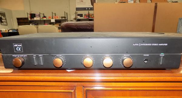 Arcan Alpha 3 integrated stereo amplifier - W/O