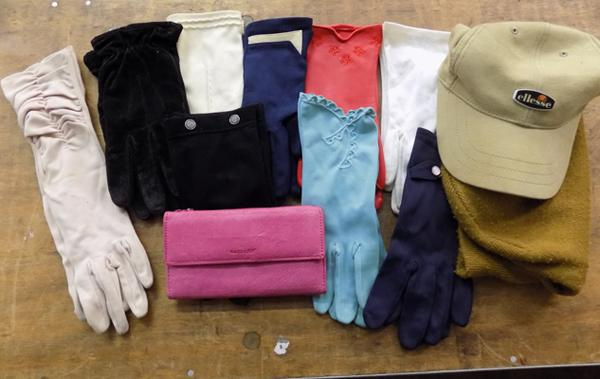 Vintage gloves and 2 hats