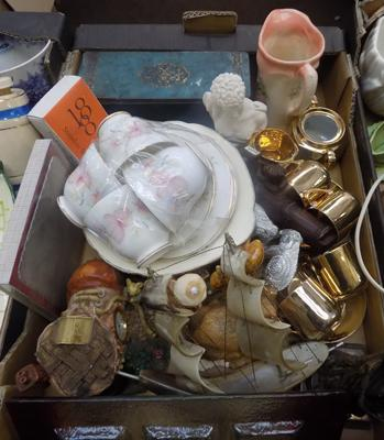 A selection of mixed items, including antique & vintage collectables