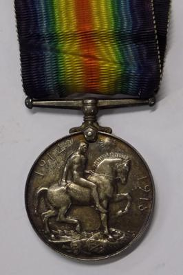 WW1 medal presented to Private S.H. Barrett