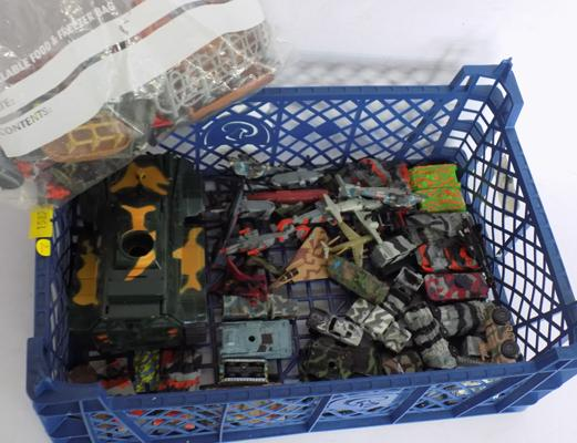 44 x 1999/2003 Hasbro/GTI/FGTI Micro machines military vehicles and fold out vehicles and soldier/bits