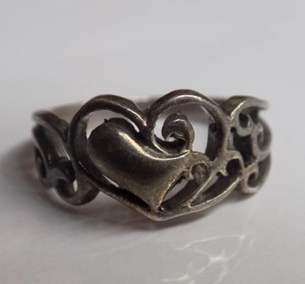 Unusual art nouveau style silver ring