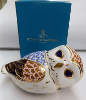Royal Crown Derby owl, gold stopper paperweight