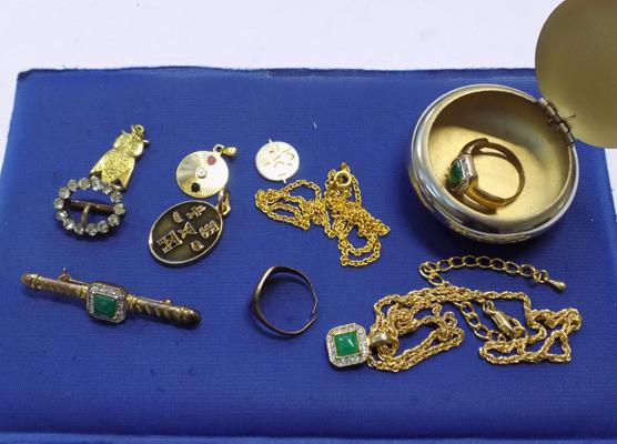 Selection of yellow metal items