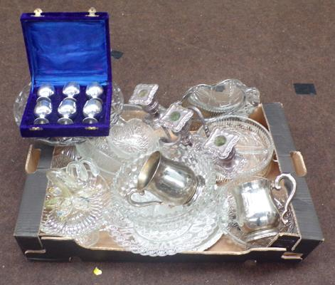 Box of silver plate and glass items incl. Murano
