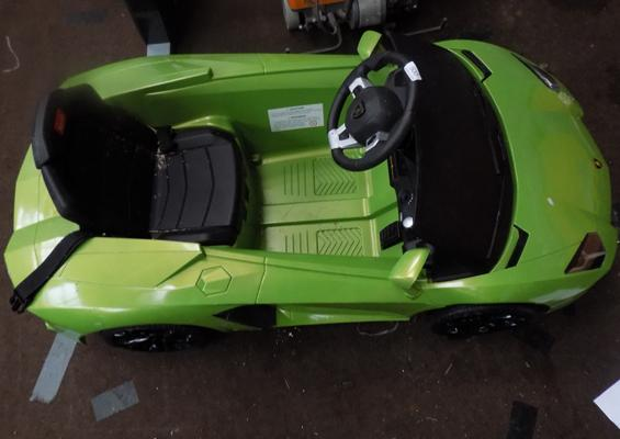 Lamborghini electric car for kids - no charger or key or log book, MOT April 2017