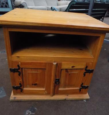 Pine cupboard unit