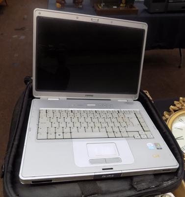 Compaq laptop - no charger
