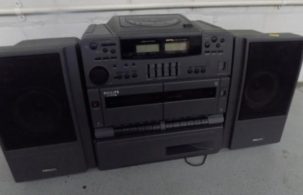 Philips portable CD radio system