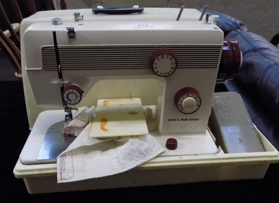 Riccar 1000 sewing machine