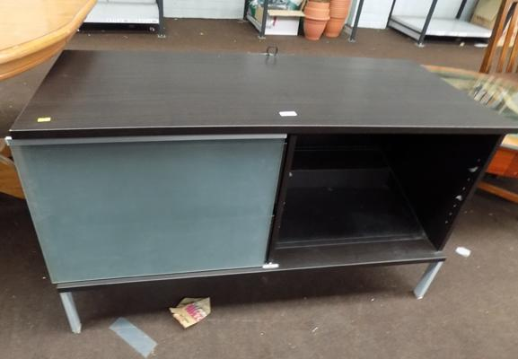 TV stand, 2 drawers & glass shelves