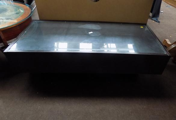 Coffee table, glass topped with 2 pull out drawers