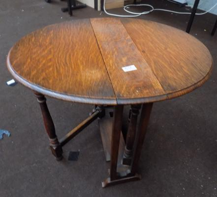 Small drop leaf oak table